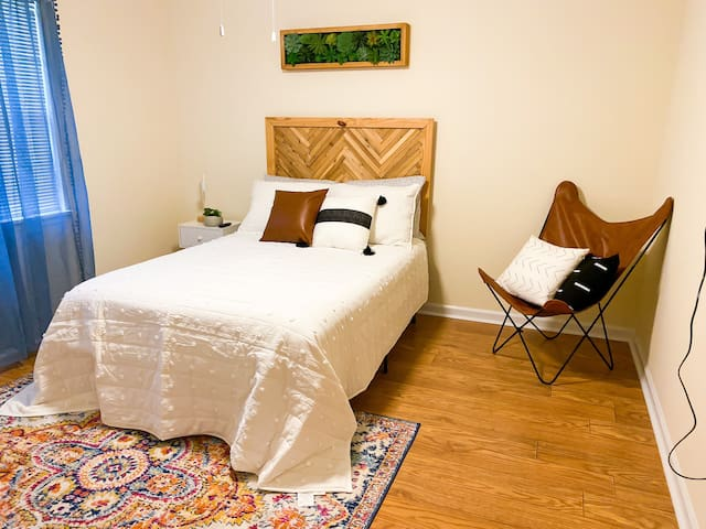 Guest Bedroom-Double Bed
