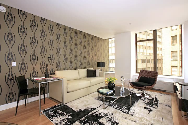 One Bedroom in the Financial District, Great Amenities