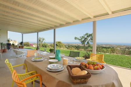NEW Charming house, stunning view  - Sampieri