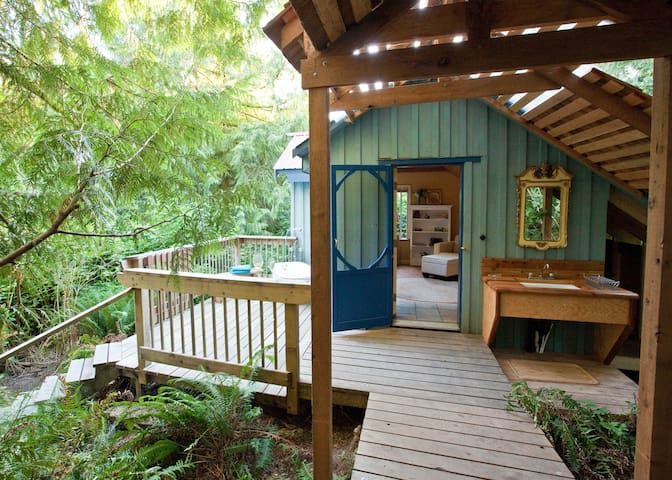 Westover Bed and Breakfast - Salt Spring Island - Wikt i opierunek