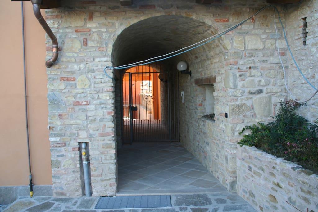 De ingang naar het huis