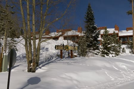 Timber Ridge Mountain Condo - 2 bedroom with views - Silverthorne