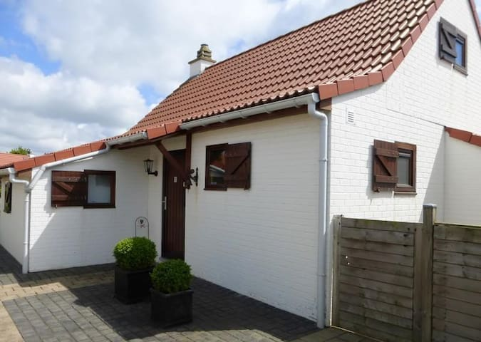 Charming Cottage in De Haan - De Haan - House