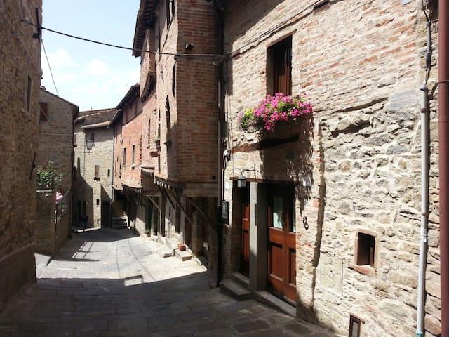 Casina via Iannelli - Cortona - House
