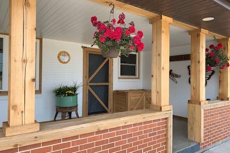 Cedar Cottage at Lizard Creek Ranch-Room 2