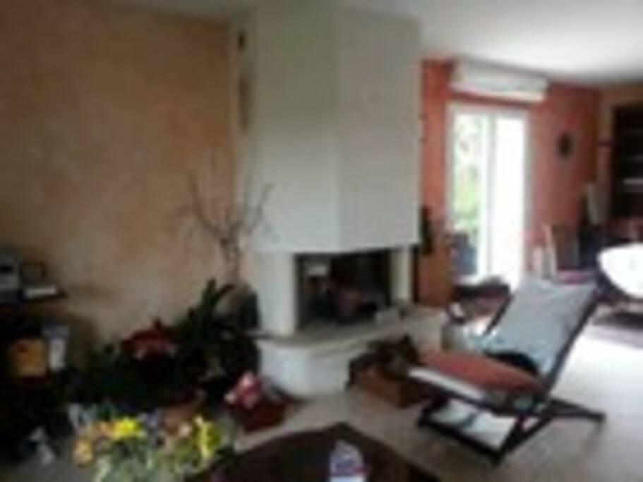 Chambre dans maison individuelle houses for rent in for Chambre universitaire bordeaux
