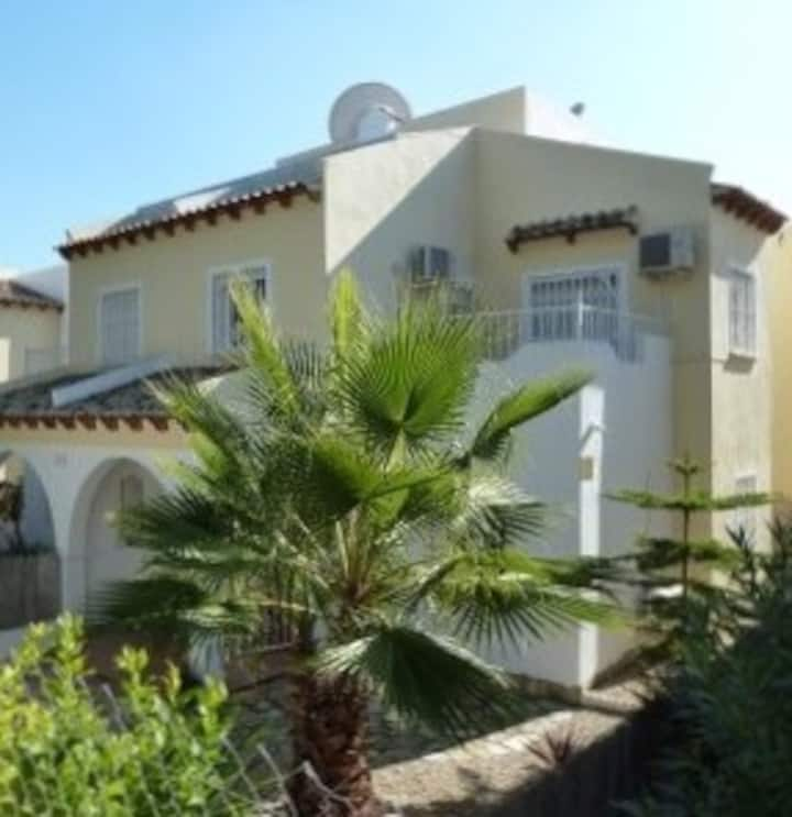 Villa à Villamartin JARDINgolf,TOUT INCLUS,wifi