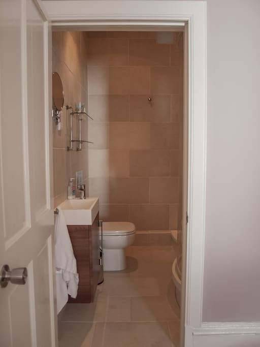 Private ensuite shower room