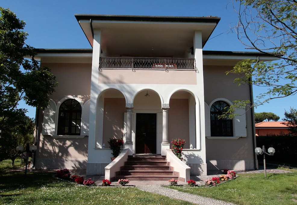 La Coralia b&b: the Villa