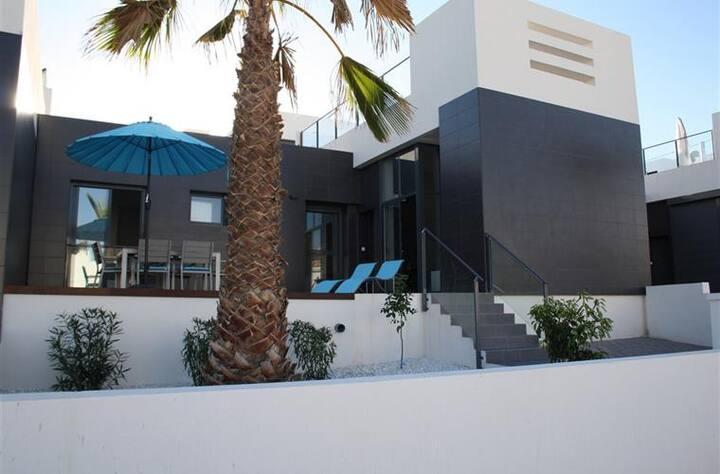 Moderne vakantiewoning in Villamartin (4 pers.)