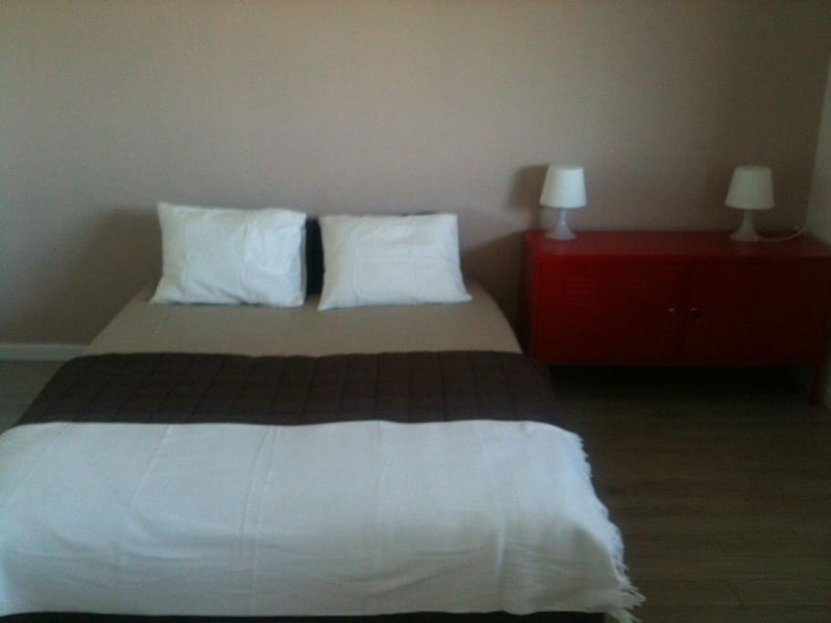 chambre meubl e quip e au calme appartements louer annemasse rh ne alpes france. Black Bedroom Furniture Sets. Home Design Ideas