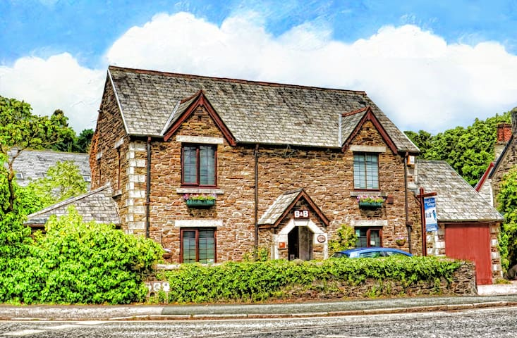 Twin Bedded Room with 2 single beds - Tavistock - Bed & Breakfast