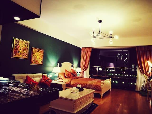 (金鸡湖畔摩天轮旁,近诚品)奇妙复古美式朝南景观公寓 - 苏州市 - Apartment