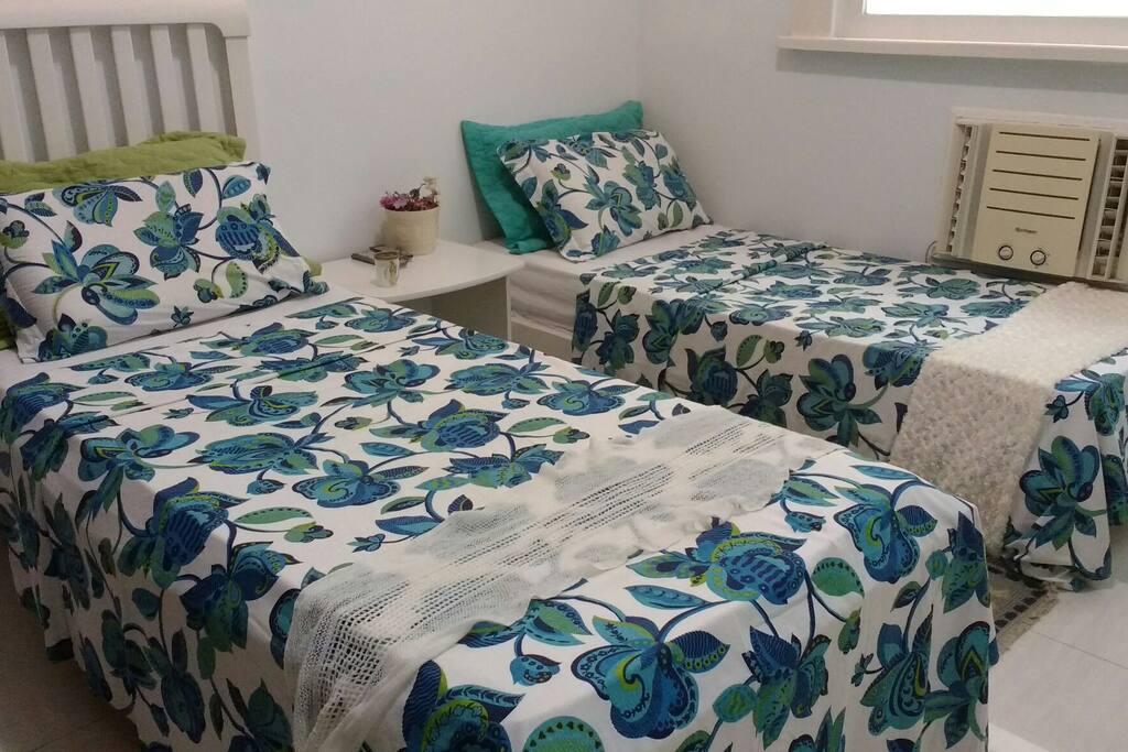 As duas camas, de outro angulo.