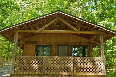 2 BD Family Cabin in Mountains #3 - Crozet - Kulübe