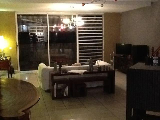 Chambre privée au coeur de la ville - Papeete - Huoneisto