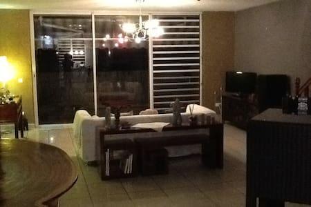 Chambre privée au coeur de la ville - Papeete - Apartament