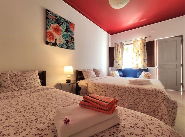 Milfontes Inn - Fire Bedroom