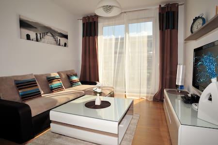 Apartament Blue Osiedle Polanki - コロブジェク - アパート