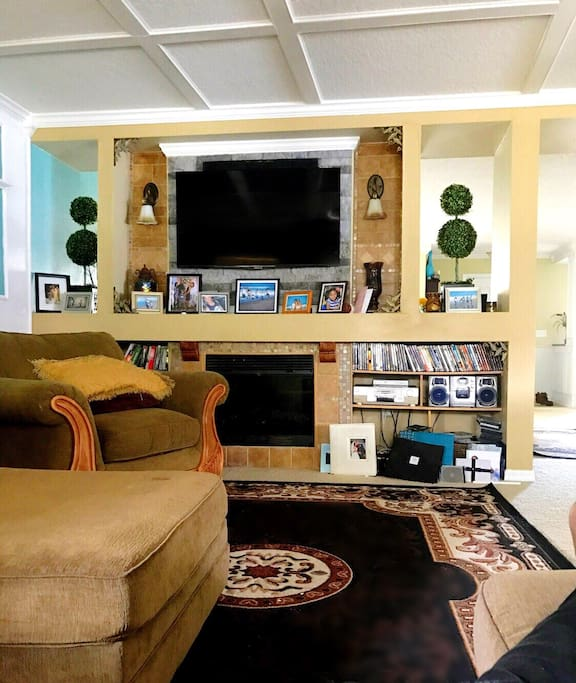 Family Room, Check out more pics on our F B page @OrlandoAirbnb