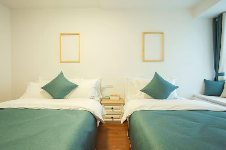 市中心两江四湖畔豪华公寓两居室小清新