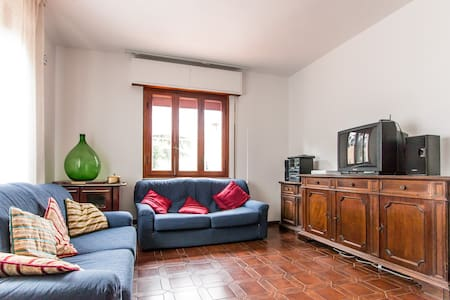 Country house in the hills of Lucca - San Martino In Freddana-monsagr - Villa