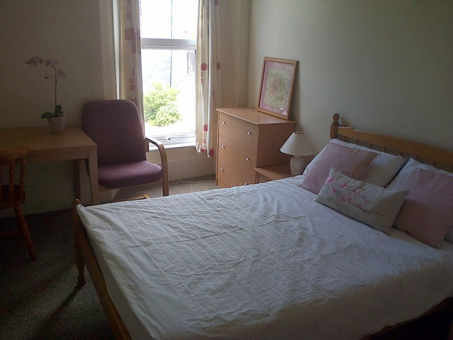 Comfortable 3rd double bedroom