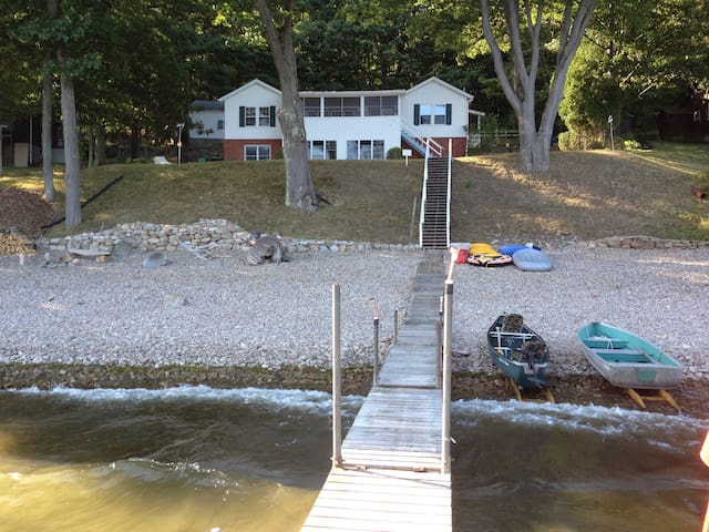 Lakefront camp - Keeseville - บ้าน