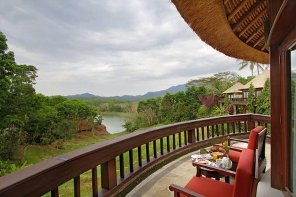 Balcony Lagoon View