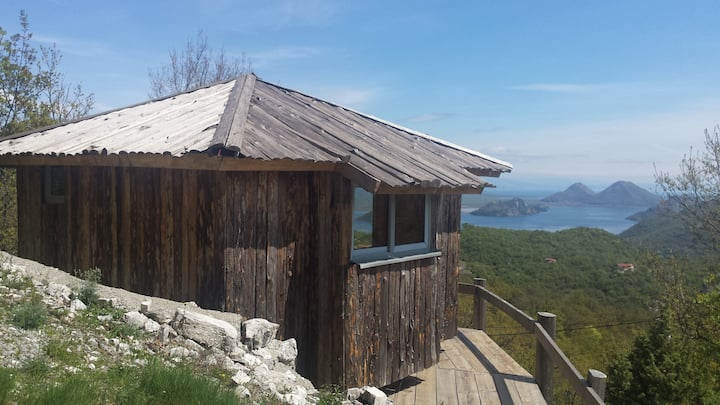 Skadar lake village