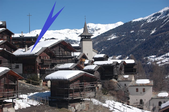 Chalet Birgulla in the heart of the old village