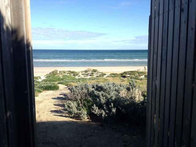 On The Beach 1 - Aspendale