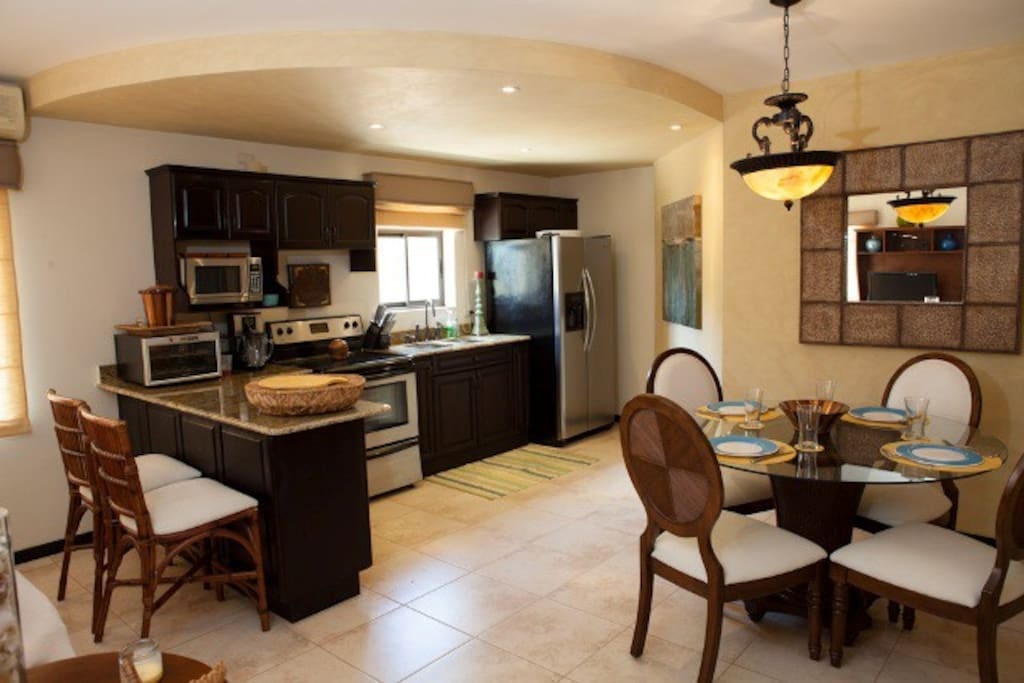 Kitchen and dining room - well equipped for all cooks!