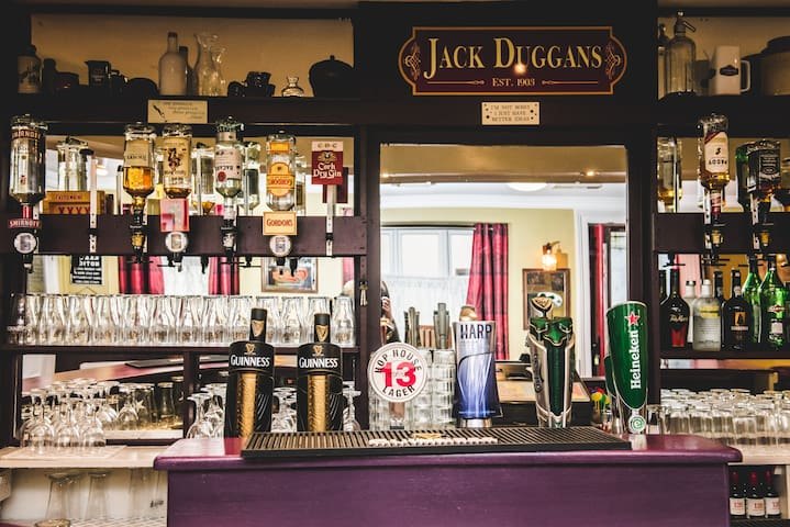 New Private Pub near Killarney / Wild Atlantic Way