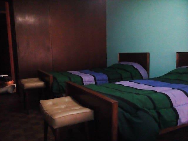 Compartida 3 camas buena vista.