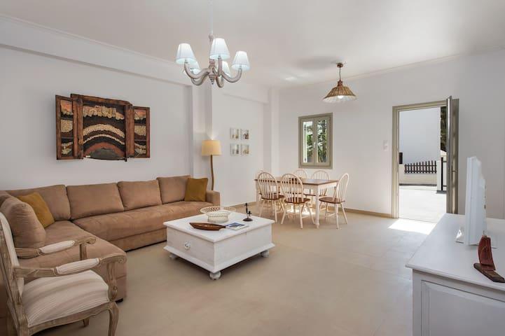 Ammos 1 & 2 - Kamari - Apartment