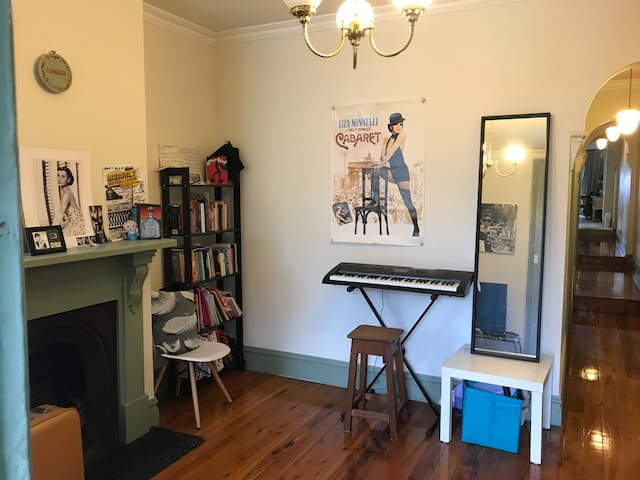 Newtown cosy two bedroom house