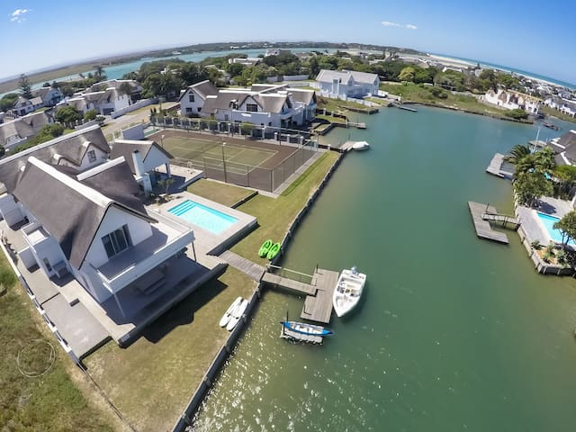 39 Canal Rd waterfront villa - pool & tennis court