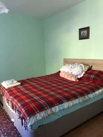 2.yatak odası ortak banyo lu 260TL