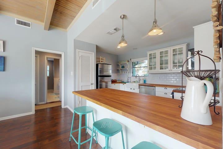 Family-friendly home w/multiple decks - walking distance to beach!