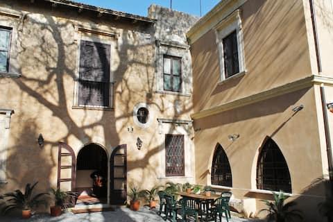 Old Baglio of Saint Marina 300 mq-10 bed-4 wc