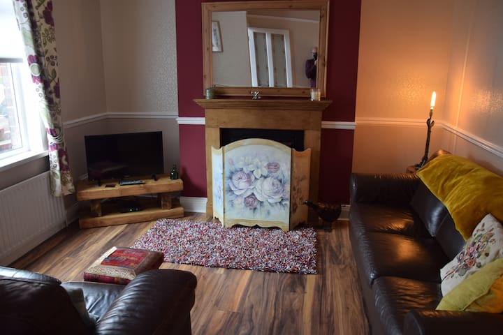 Charming House 3 bedrooms Sleeps 7 Durham 5 miles