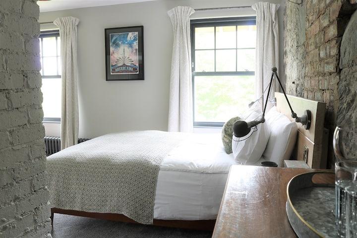 Suie Hunting Lodge - Luxury King room with bath