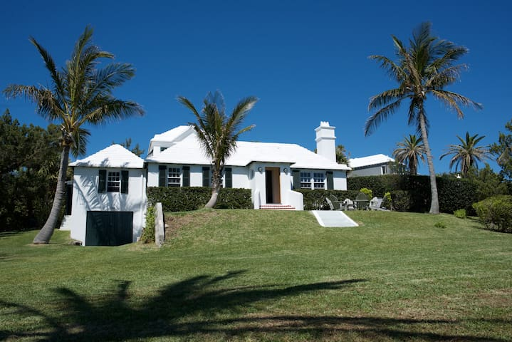 Charming Bermuda Cottage - 6 ppl - 5min from beach