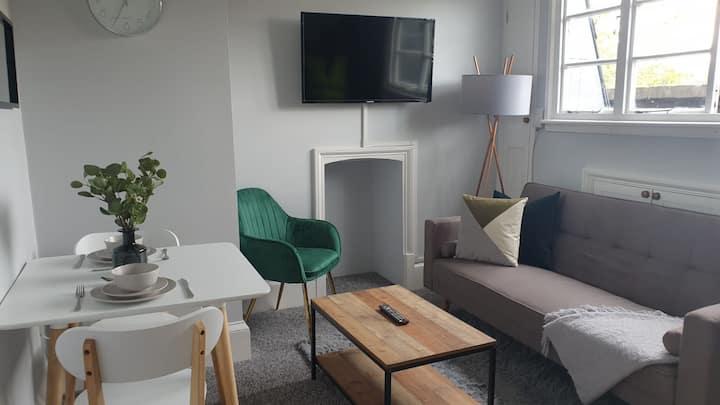 ★Cosy Luxe 1 Bedroom Apartment Cowley★