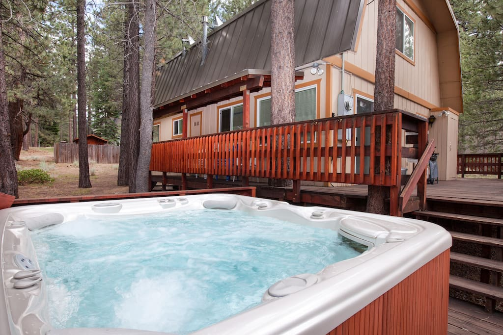 8 Person Hot Springs Grande Hot Tub ready to use!