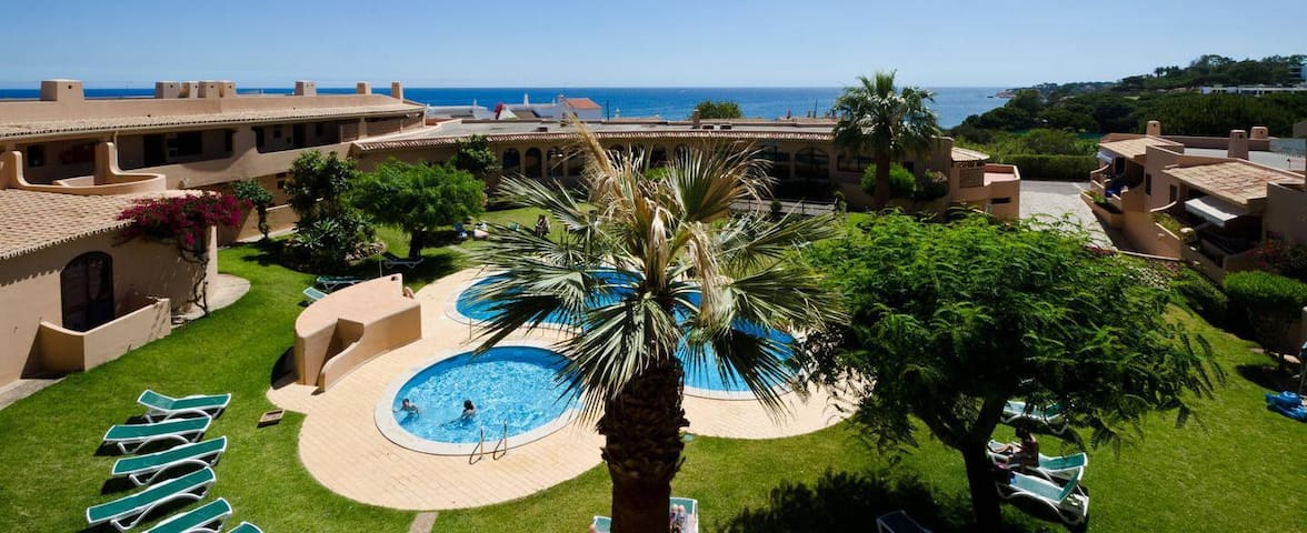 Sunny apartments for 2 persons near the Beach