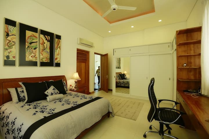 Sanctuary Boutique Bungalow ( Master Suite )