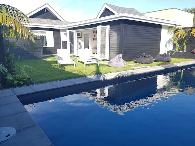 Takapuna Beach - The Pool House - Auckland - Casa