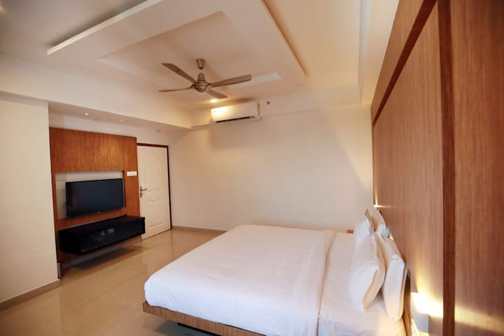 VS Residency-Non Executive Double Bedroom II,Ac